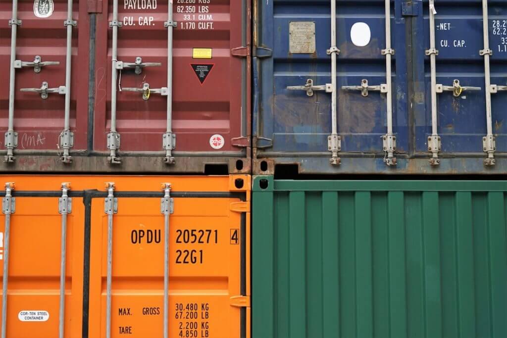 Container in verschiedenen Farben