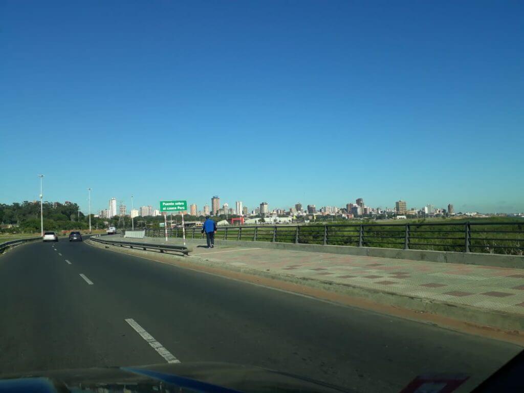 Blick auf die Skyline von Asuncion in Paraguay