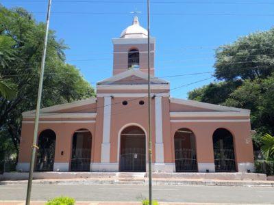 Kirche im Zentrum von Mbocayaty in Paraguay